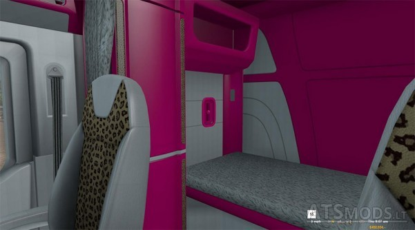 pink-interior-peterbilt